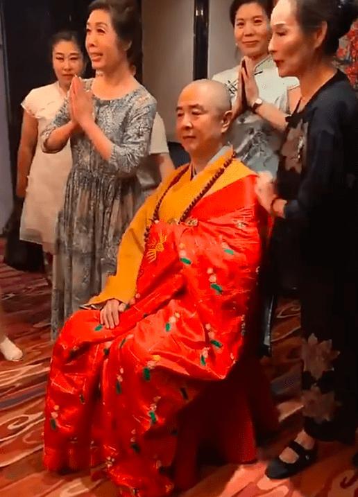 两位唐僧命不同,迟重瑞娶大10岁富婆,徐少华妻子被赞有气质