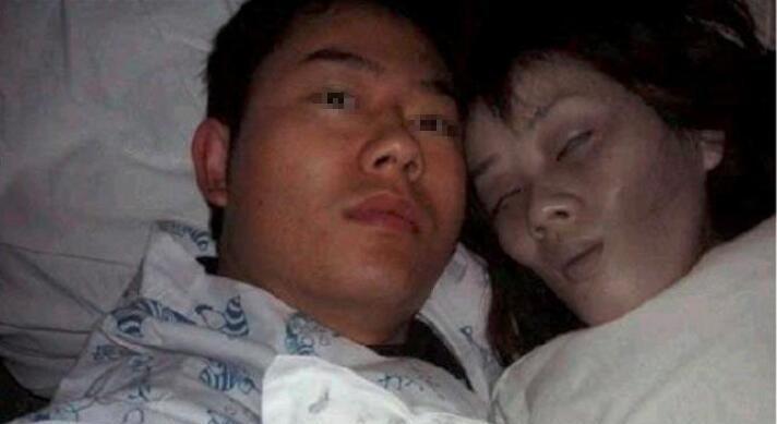 男子与死去妻子同睡数月,得知真相