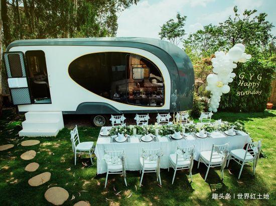 周末自驾游隐秘在昆明世博园内的夏日营地,温泉、烧烤、房车...