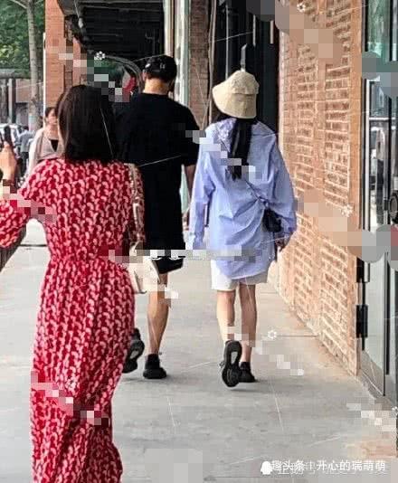 魏大勋和神秘女子穿情侣鞋看展,疑似杨幂,魏大勋发文否认传闻