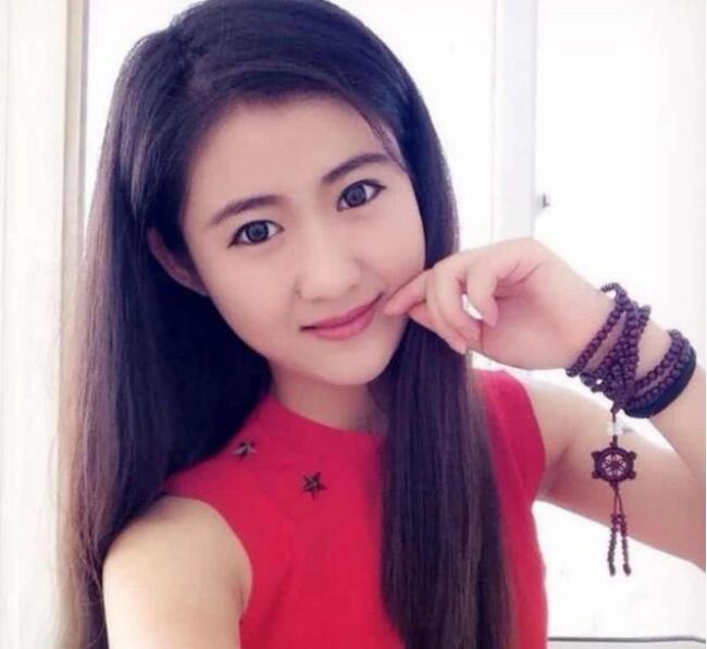 她被誉为中国最美女孩!一生坎坷最感恩父亲!与韩红同唱首歌