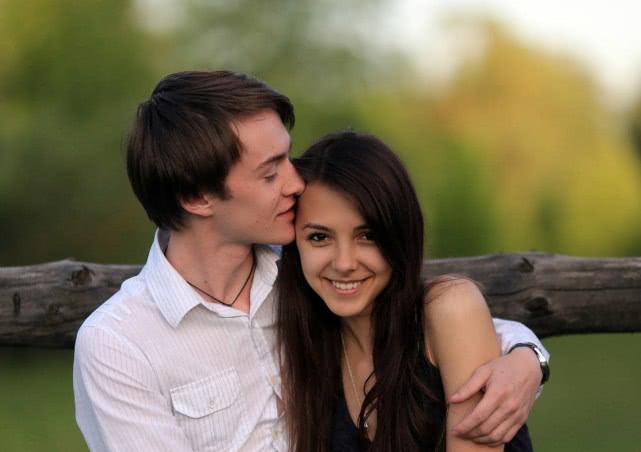 <b>婚姻中,不幸福的妻子 ,身边的老公八成有这些共性</b>