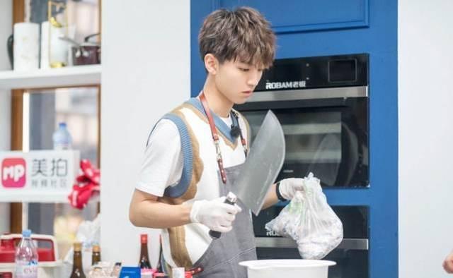 《中餐厅3》争议不断,黄晓明独断格局小,删除网友意见