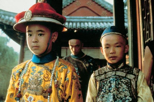 清朝小皇帝被逼退位时,清朝军队都在干啥,为何不保护皇帝
