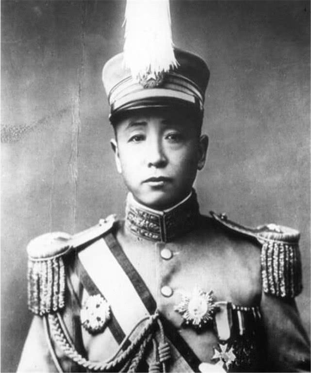 溥仪被冯玉祥赶出紫禁城后,张作霖见到他,是怎么对待他的