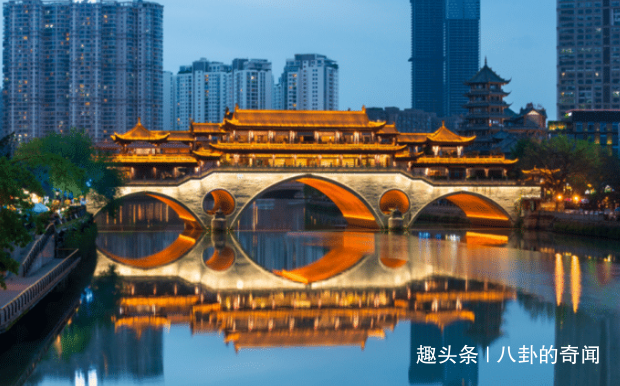 """中国最""""懒""""的城市,老外来了都不想走,日常不是打麻将就是喝茶"""