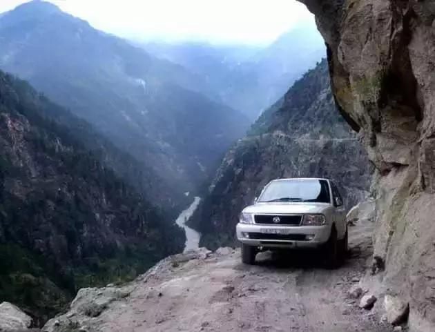 这些路,老司机看着也脚软!