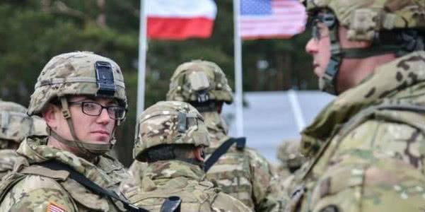 波兰公开表态,邀请美军入驻,俄罗斯警告一旦开战将遭到首轮打击