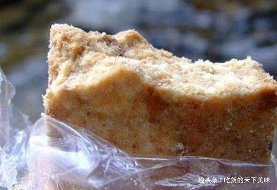 军用压缩饼干为啥能抗饿48小时,放入沸水后,才相信这是真的!