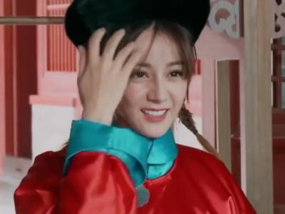 """热巴评价自己的新造型""""很诡异"""",但她跟冯绍峰的互动也太暖了吧"""