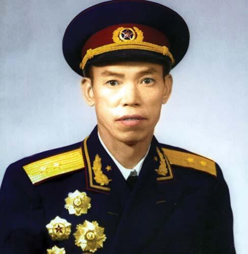 敢和彭老总顶嘴的开国中将,毛主席见时连说''久仰久仰''
