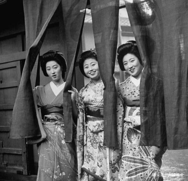 <b>日本战败士兵回国后,妻子用什么样的方式欢迎?士兵:不如战死</b>