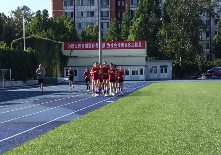 中国女排最新集训16人曝照,世界杯名单呼之欲出,刘晏含恐再落选