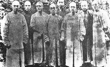 北京大学前身是京师大学堂,蔡元培任校长之前曾是贵族学校
