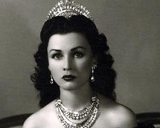 埃及公主联姻伊朗,入宫9年无法生育被废,再嫁平民却儿女双全