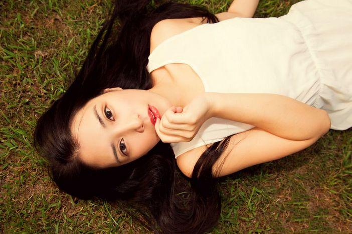 性感美女时尚写真,有一款很仙气的衣服,适合乖巧甜美的小姐姐