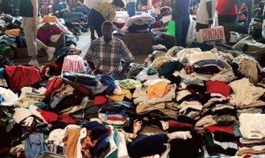非洲的旧衣服市场,有件衣服,中国学生看了郁闷啦