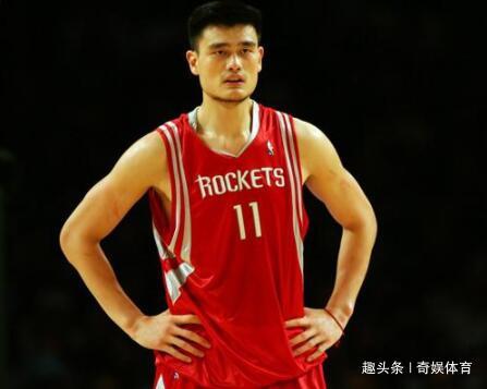 姚明从NBA退役后每月能领多少退休金呢?