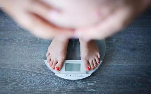 孕期体重增加多少才合适,除了跟孕周期有关,