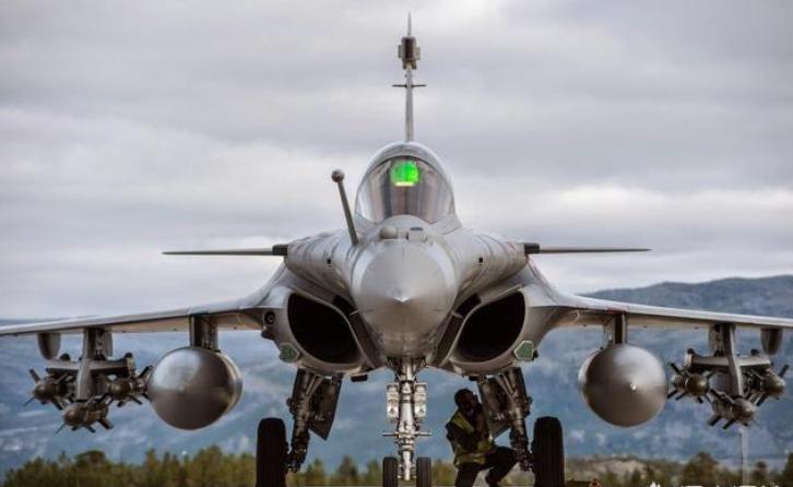 法国阵风战机比美国F35还要贵,阵风有何过人之处吗