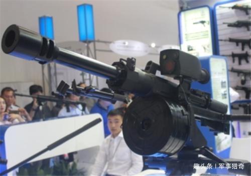 中国狙击枪榴弹亮相,这射程威力好意思叫枪,网友:低调!
