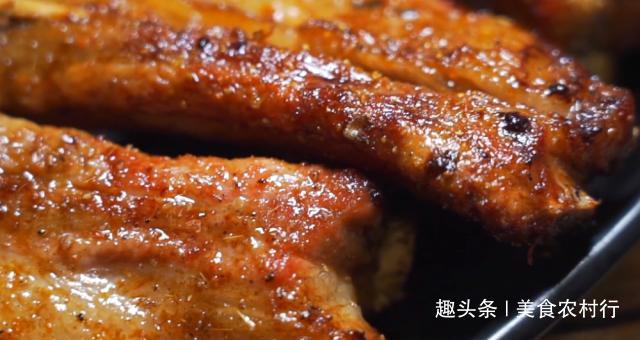 <b>广州人下班后的生活很实在,烧烤加啤酒,这家店烧烤味道一绝!</b>
