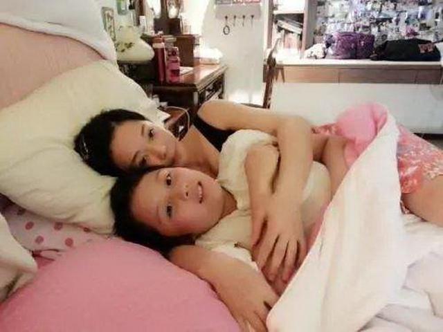 14岁儿子与单亲妈妈同床睡,半夜妈妈被惊醒,宝妈:坚决分床