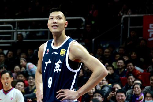 新疆男籃與廣東男籃,新賽季誰更有機會拿總冠軍?