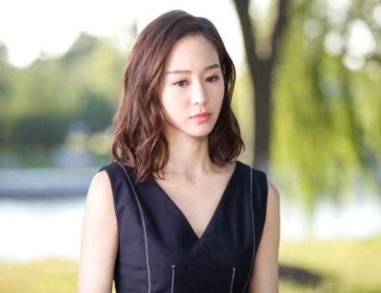 张钧甯公开否认恋情,邱泽被实力打脸,网友吐槽:为出名不择手段