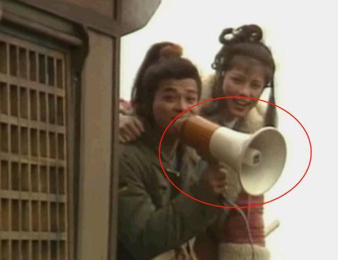 """那些你没见过的剧照:郭靖黄蓉玩喇叭,""""紫薇""""和""""皇上""""演情侣"""
