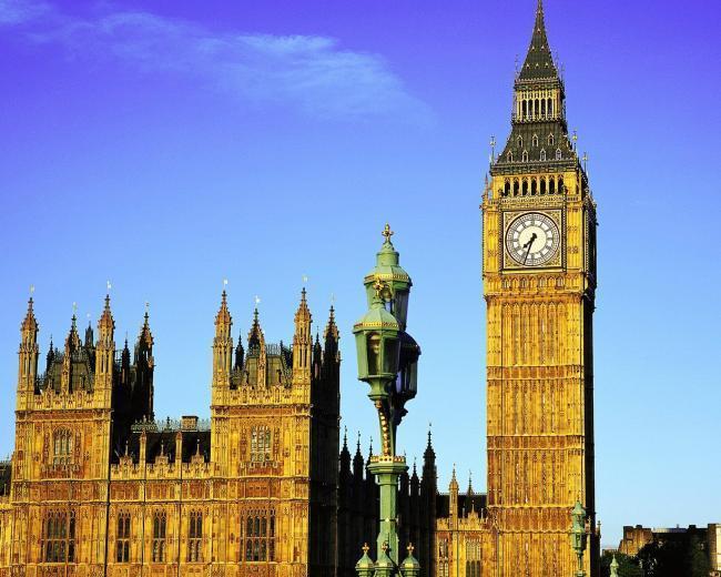 """英国大本钟,泰晤士河畔精准的报时,为何进入""""静音模式""""?"""