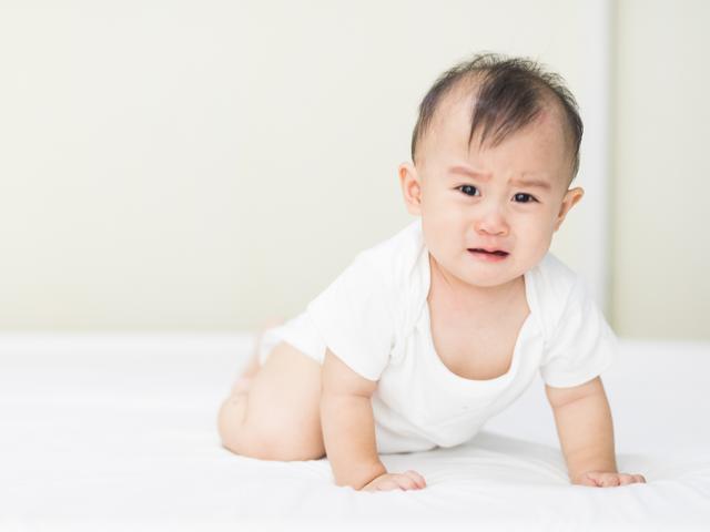 宝宝有多爱妈妈被妈妈骂哭后,又哄又劝还求妈妈再抱抱