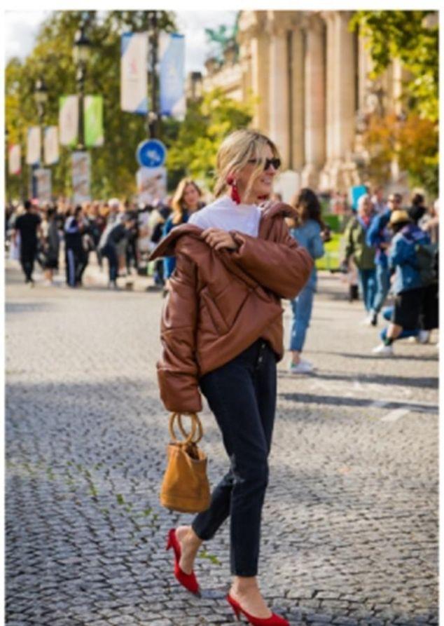 """女人过50岁,秋冬少穿羽绒服多穿那件""""棉衣"""",保暖又洋气"""