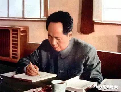 "<b>为什么说毛泽东是历史上不曾有过的""君师合一""的伟大人物</b>"