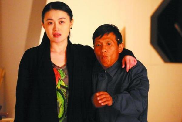 还记得赵本山最器重的女徒弟关婷娜吗?今36岁长太美,活出真实
