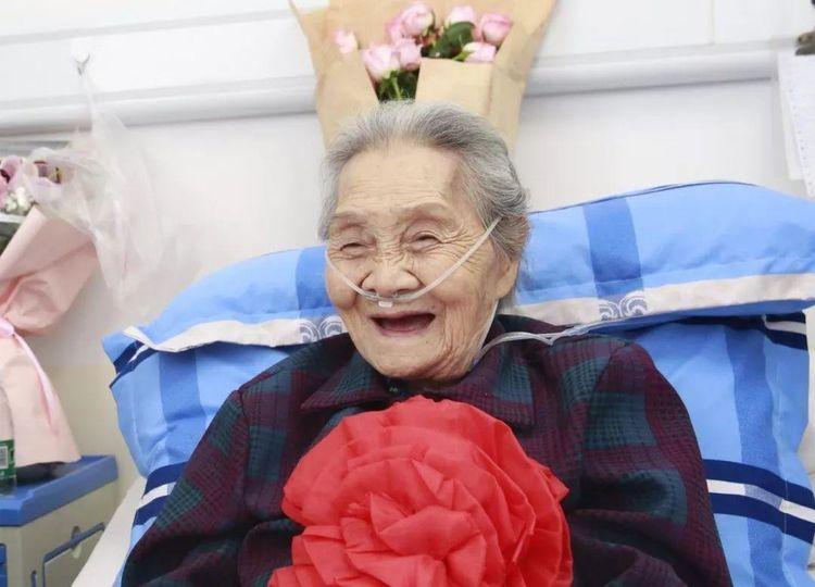 """无关男女,衰老慢的人通常有4个""""共性"""",占得越多,老得越慢"""