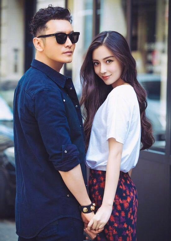 黄晓明再次否认与baby离婚,称两人关系非常好,但互动减少是事实