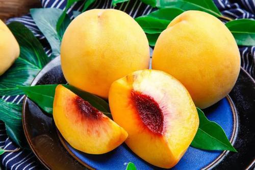 """4种食物被称为""""长寿果"""",延缓衰老对大脑最好,老人爱吃就对了"""