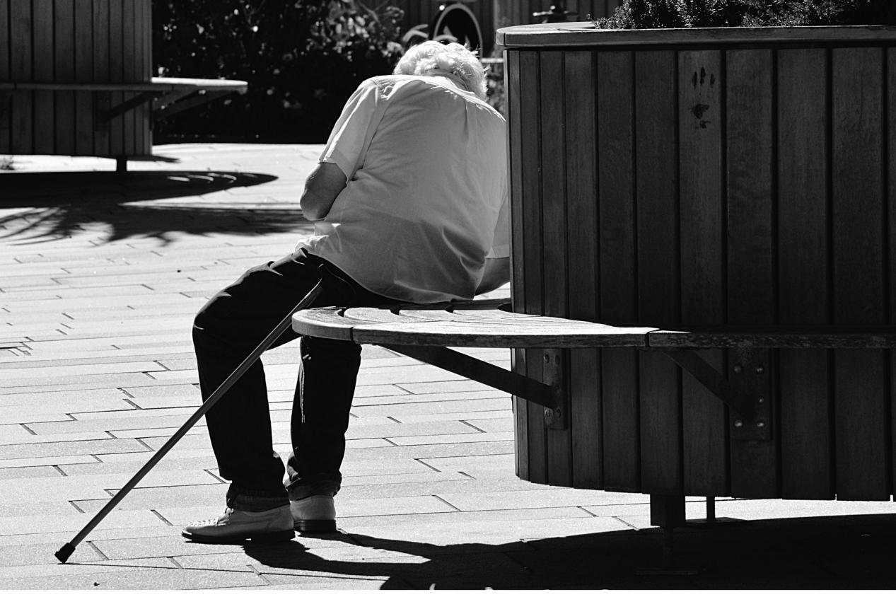 别大意,经常做这三件事,大脑会越老越呆,老人们注意了!