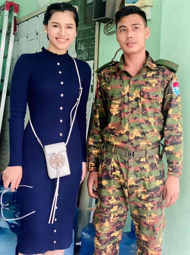 她被称为死亡天使,与其合影的缅军大多被杀,已被禁止进入军营