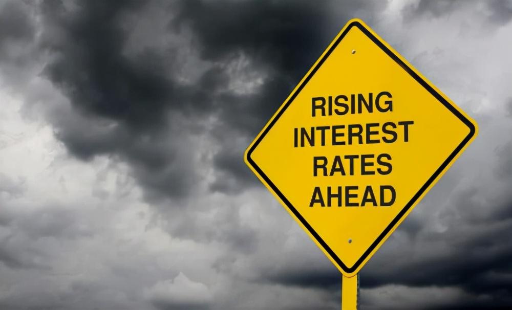 2万亿美债被抛售后,或将清零,美国10月或无法偿还债务?有新进展