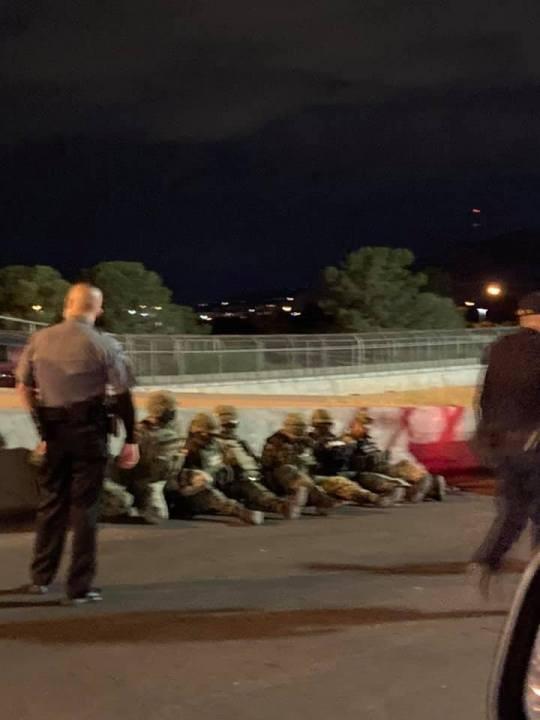 美国边境深夜被突破,大批外国士兵持枪闯入,美特工火速赶来抓捕