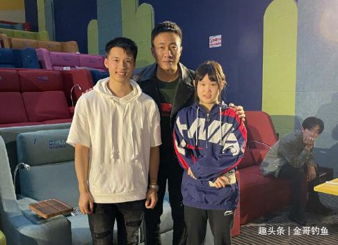 陈艾森张家齐为电影《长津湖》✨助威 后台与胡军易烊千玺合影