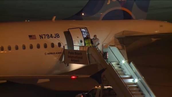 <b>美国男子飞机上得知确诊,同机乘客未被隔离</b>