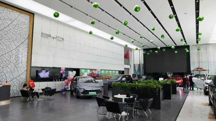 暗访比亚迪4S店:超级混动一车难求,是饥饿营销还是卖得太好?